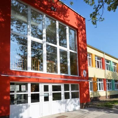 Isaszeg Város Klapka György Általános iskola felső tagozat energetikai felújítása